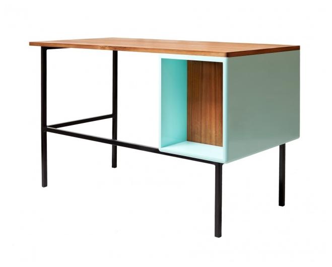a.v. desk 1